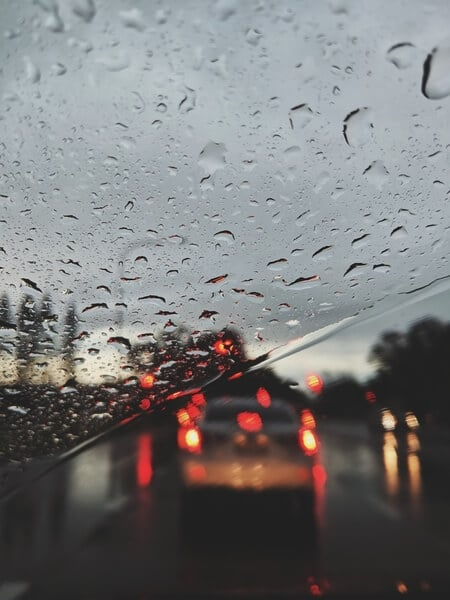 a-better-choice-insurance-5-tips-for-driving-in-the-rain (1)